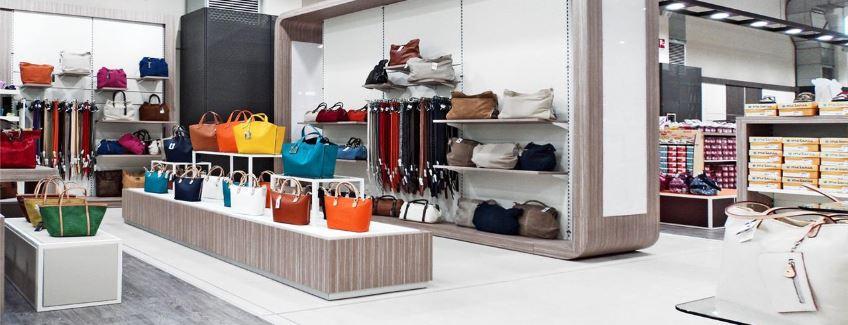 bf86acb0a7 Arredamento negozi di abbigliamento e calzature   Supino
