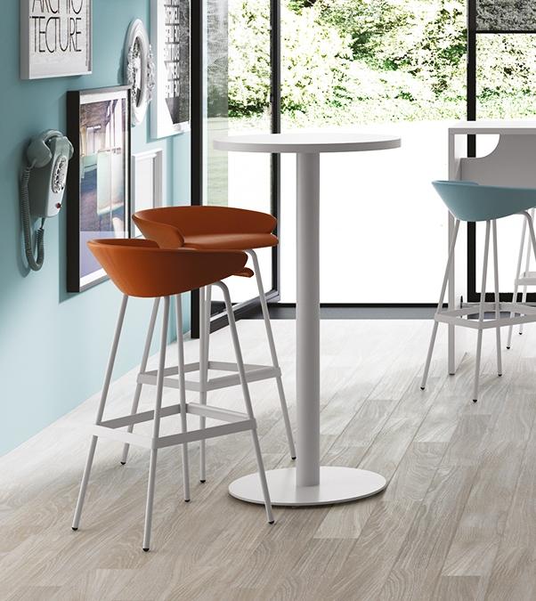 Tavolini alti for Tavolini per ufficio